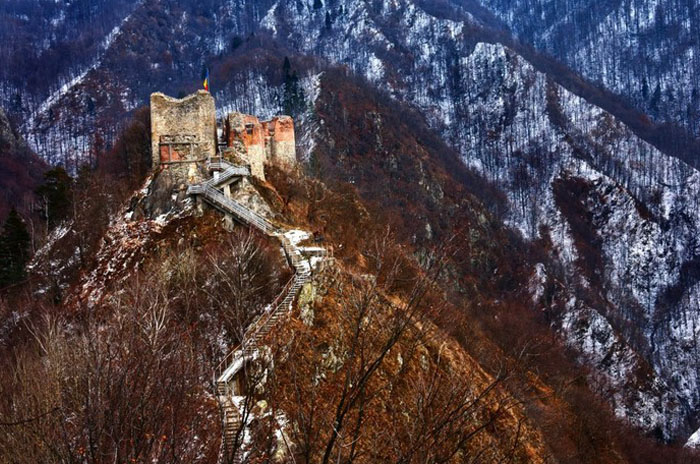 Poenari-fortress-1024x683