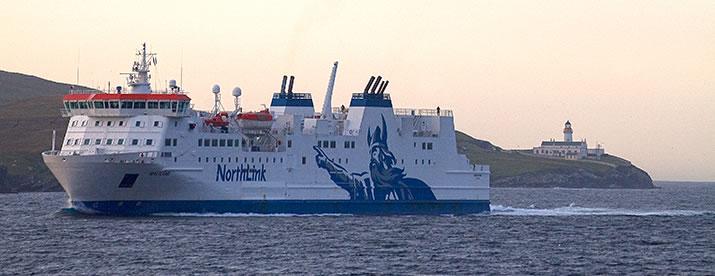 hjaltland-sailing-past-bressay-shetland