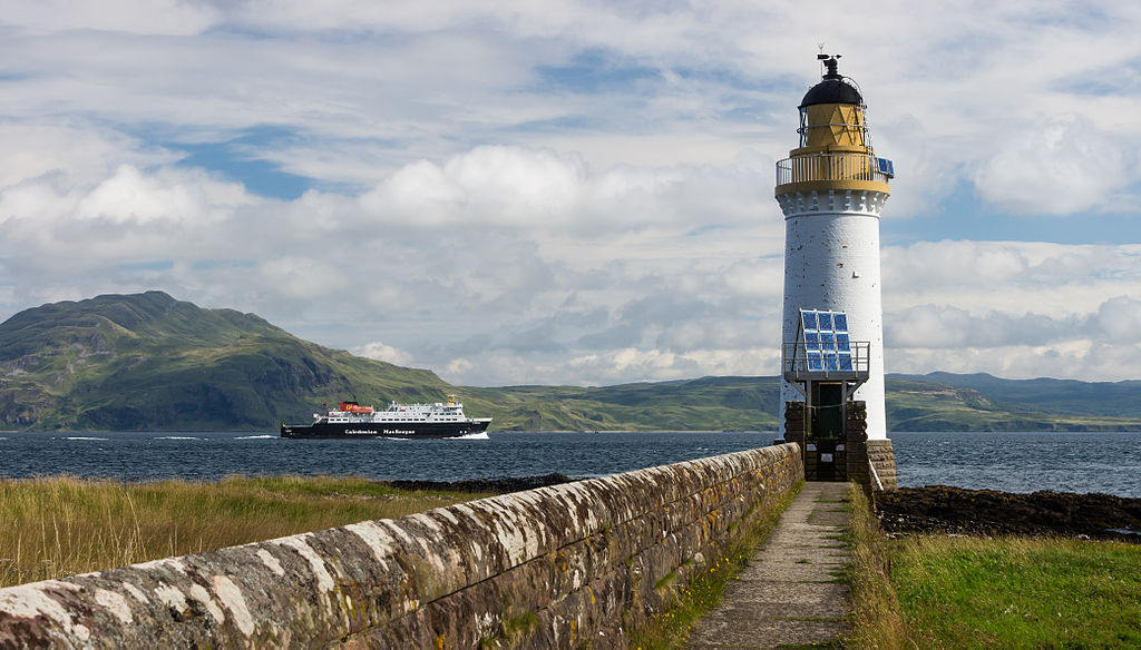 1024px-Rubha_nan_Gall_lighthouse_and_MV_Clansman_ferry